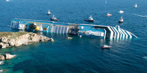 Costa Concordia: sversamento oleoso dalla nave, alto pericolo inquinamento